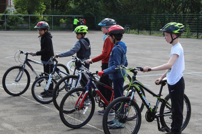 Bike to School Weeks aims to eduacte pupils about the benefits of cycling to school and how to stay safe on the roads.