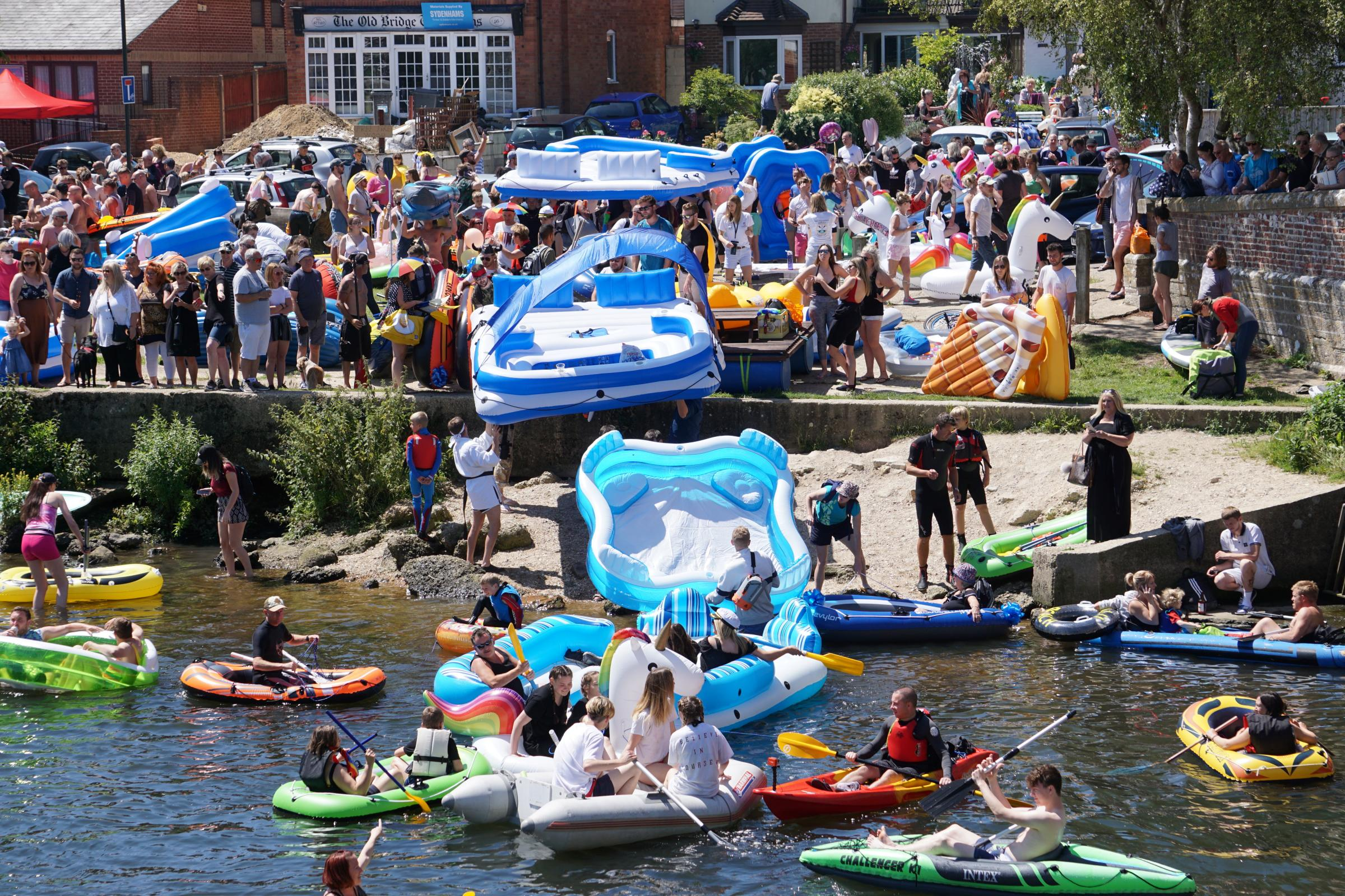 Thousands of people take part in Dorset Dinghy Day on the River Stour