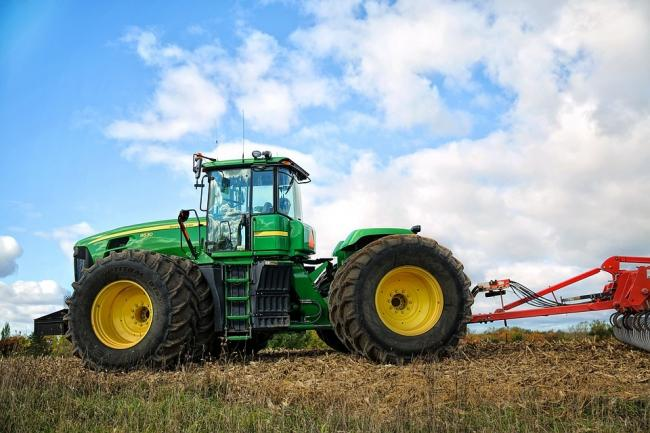 Pixabay picture of a tractor