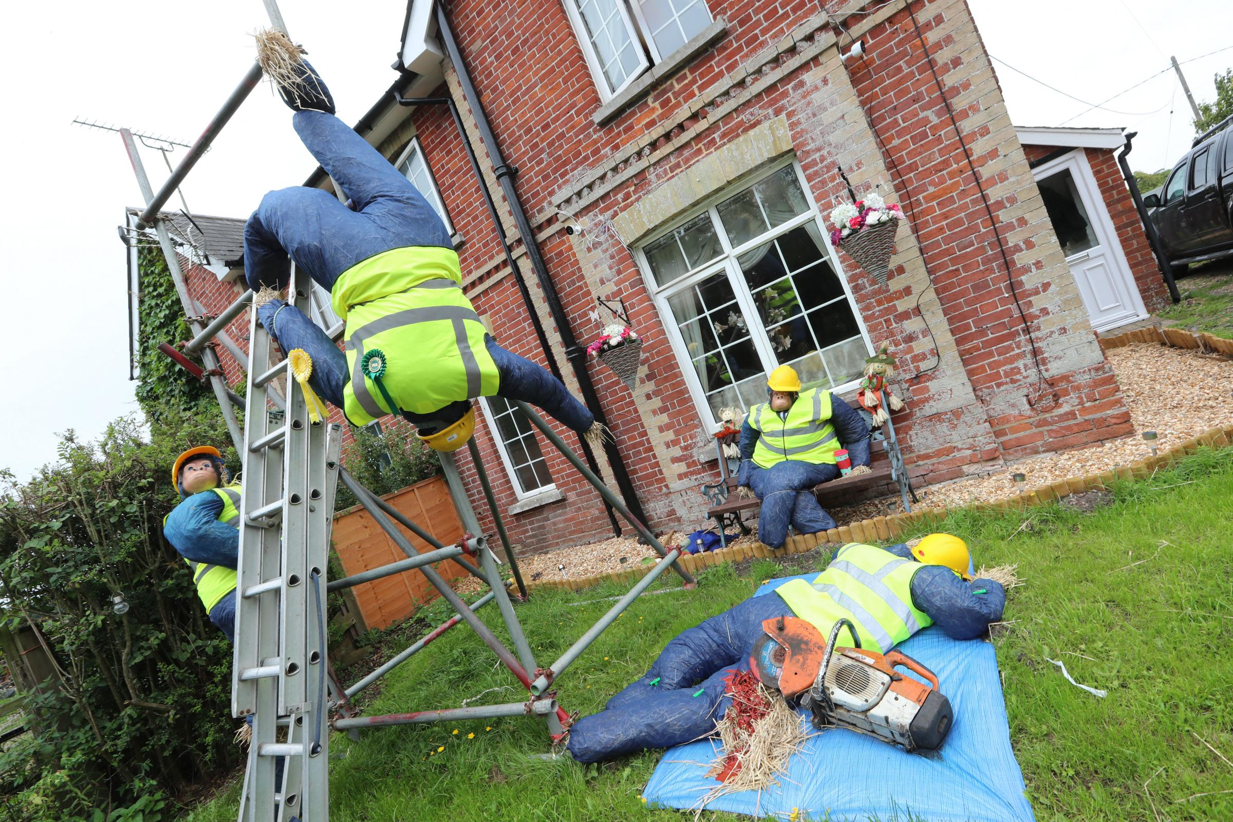 SpongeBob SquarePants to 'wonky workers' at Bisterne Scarecrow Festival