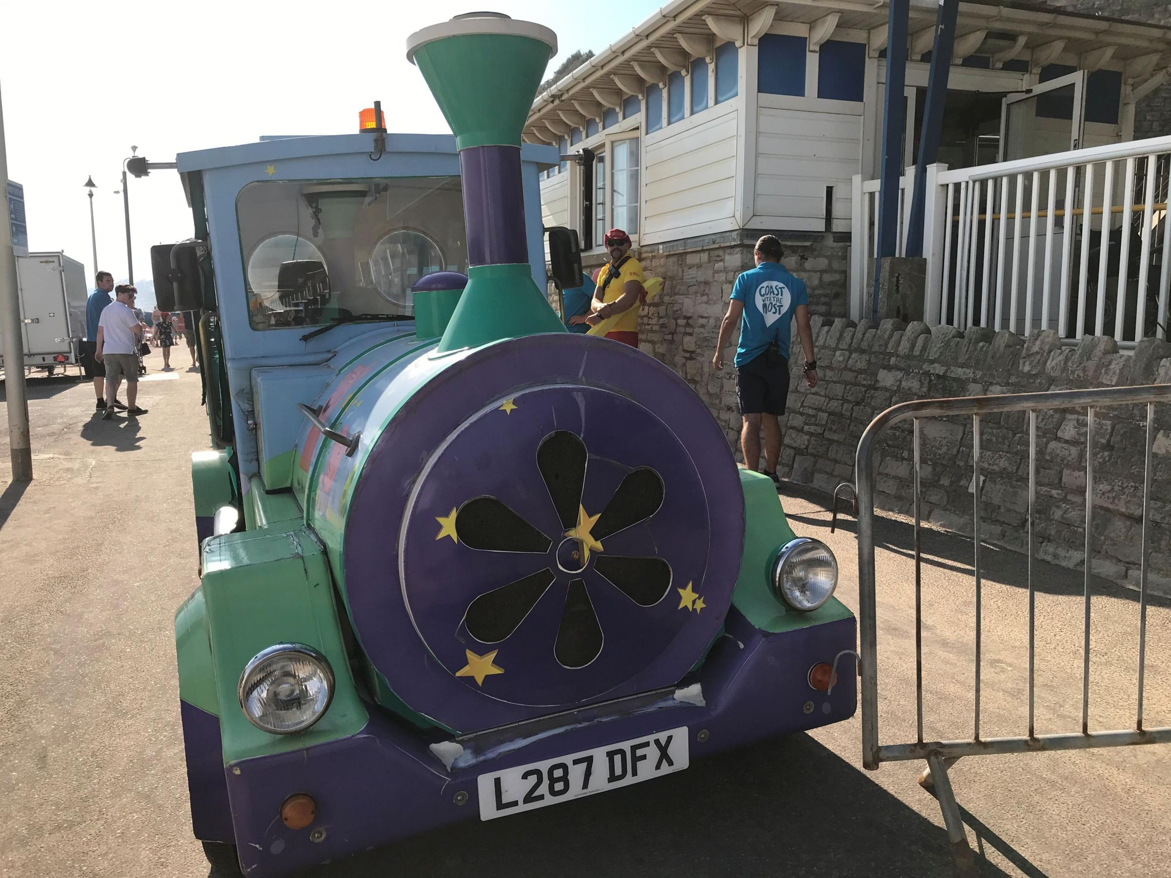 'Witnesses hear scream' after incident involving the land train near Bournemouth Pier