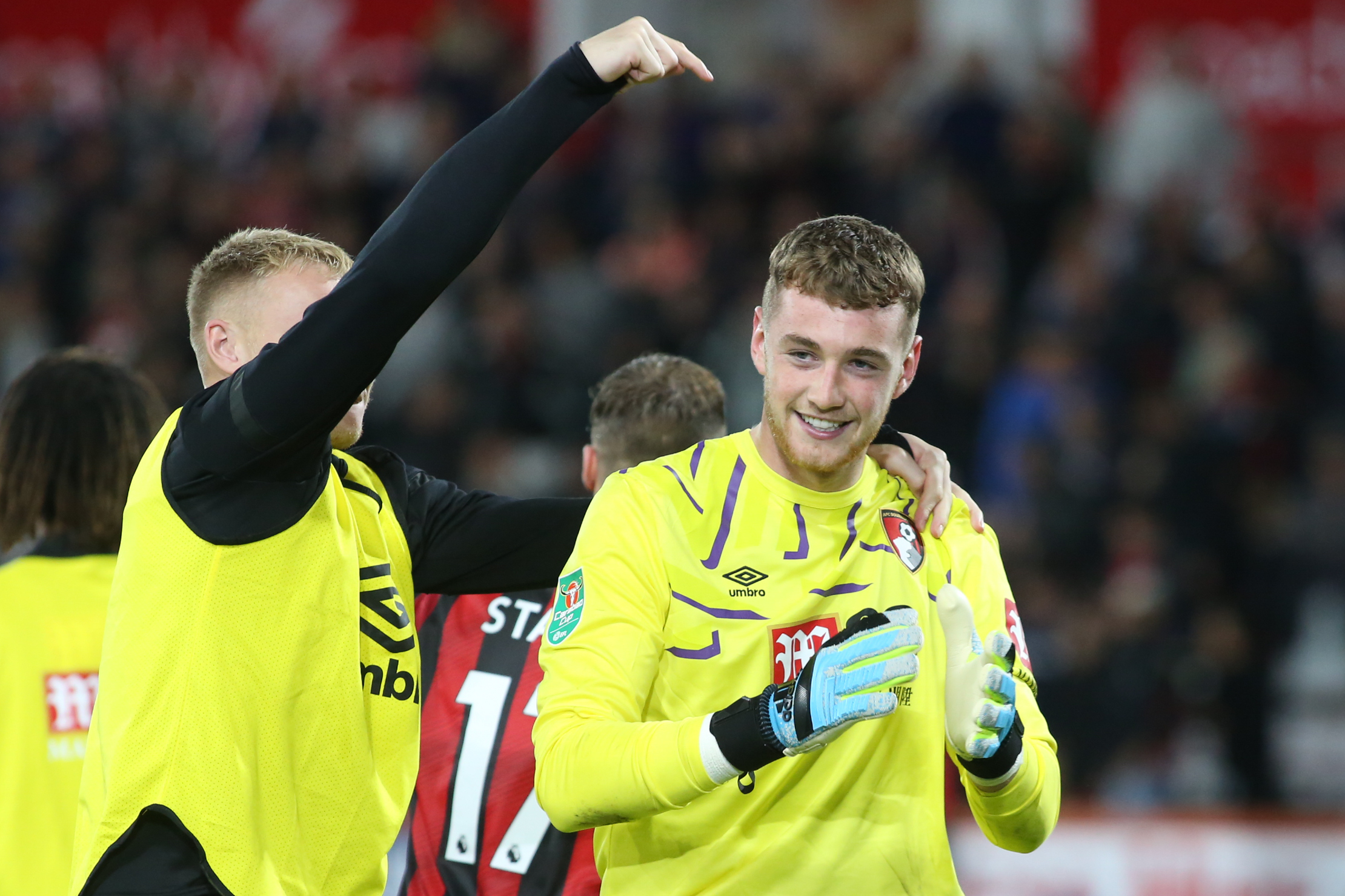 'It's really good to see that goalkeeping unit pushing each other' - Eddie Howe praises reaction of Mark Travers to losing Premier League spot