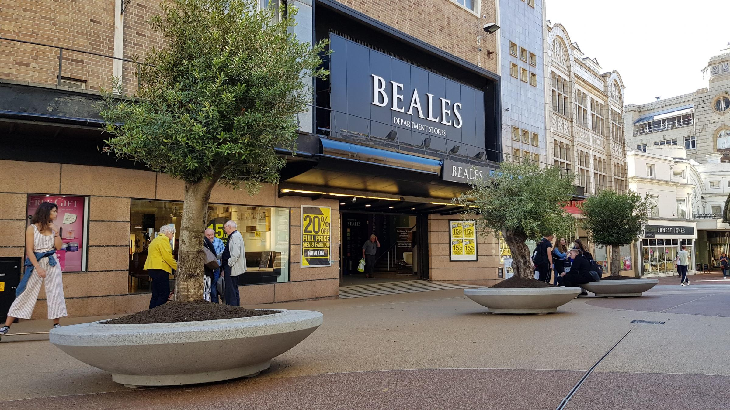 Trees arrive in Beale Place as work starts on new sushi restaurant
