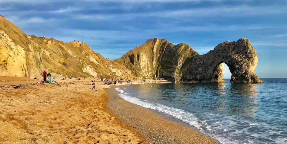 """Man's life is saved at Durdle Door by """"quick-thinking and selfless"""" men"""
