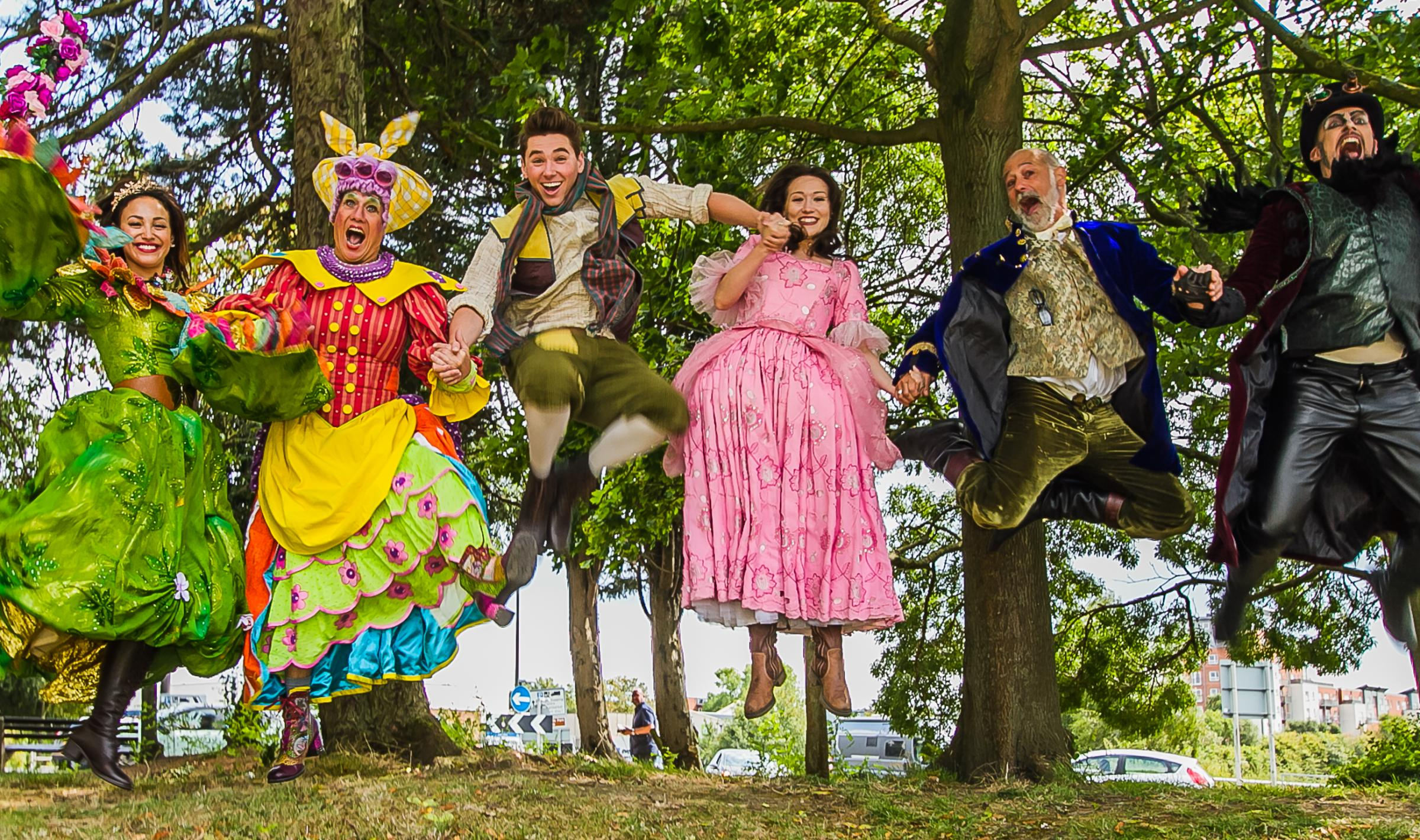 It's almost Christmas (oh yes it is...) – here are the pantos you can book right now