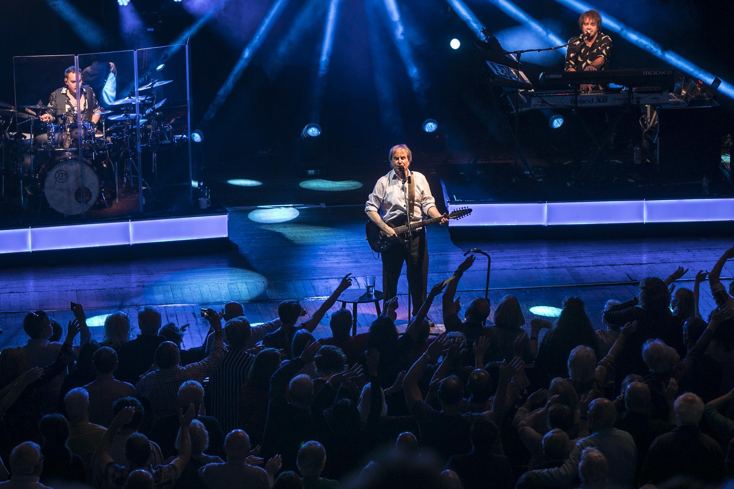 REVIEW: Chris de Burgh delights fans with intimate show at the Pavilion