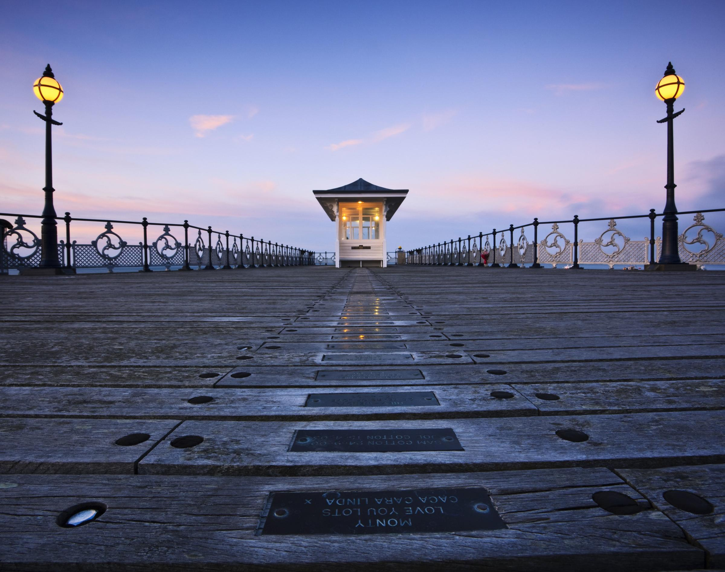 Swanage Pier to be lit up in colourful lighting display for first time