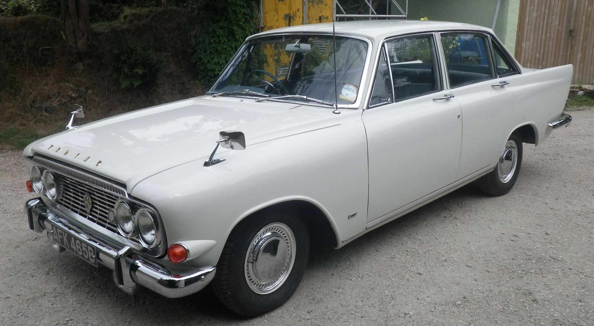 Ford Zodiac Executive with just 26,000 miles on the clock set to fetch £10,000