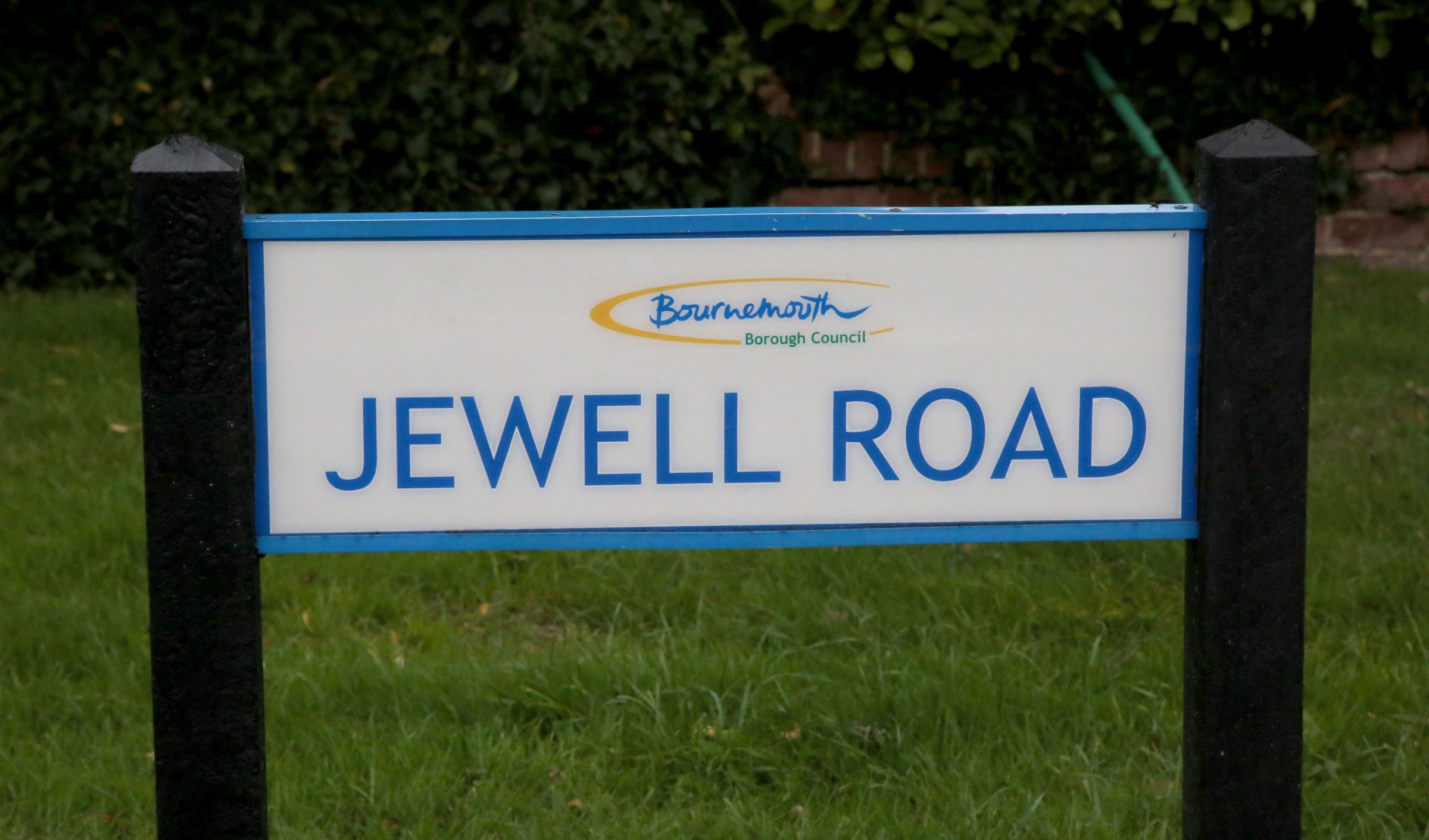Four 'male teenagers' seen sprinting away from Townsend home
