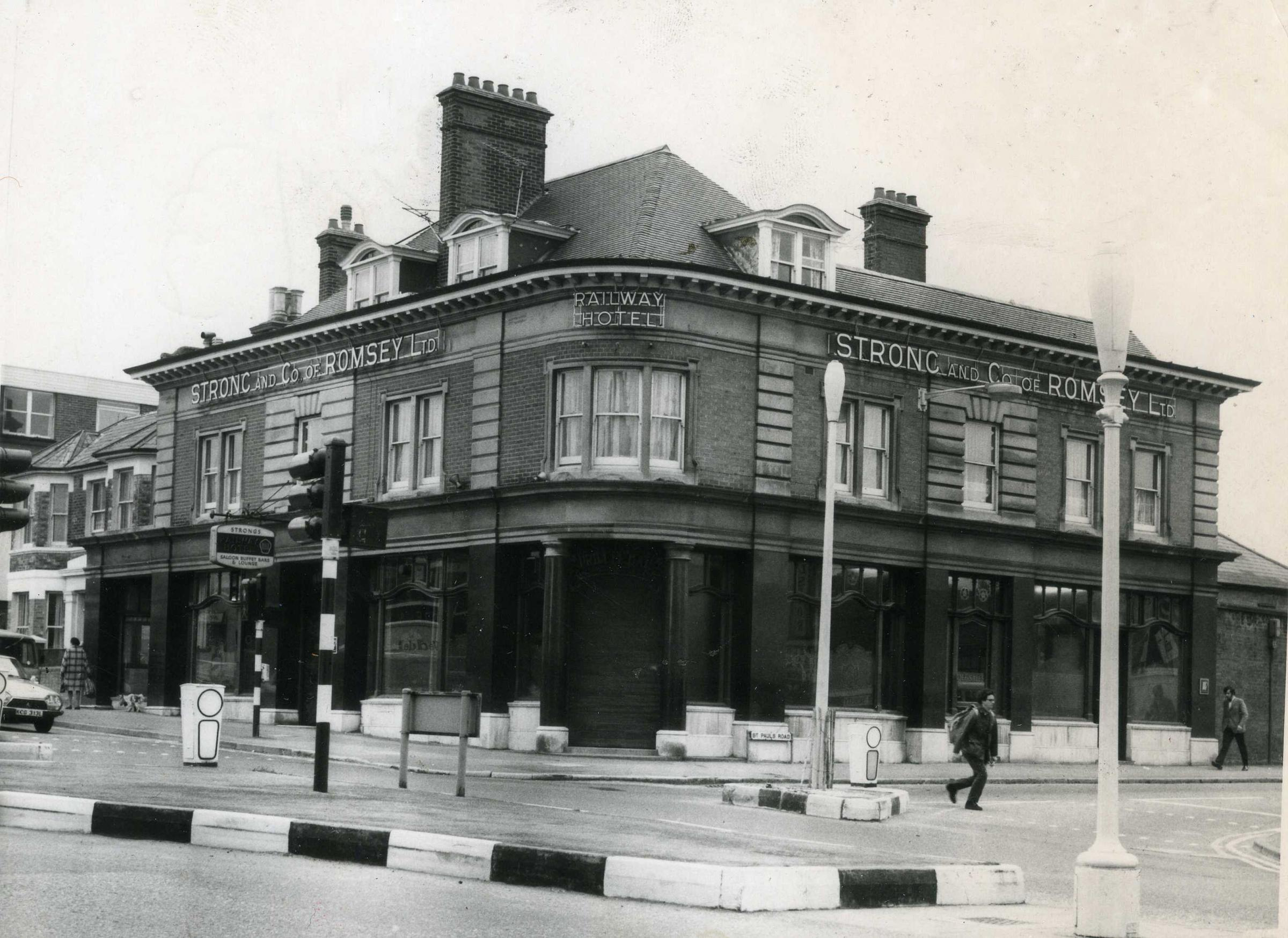 Picture of the Day: The Railway Hotel on Holdenhurst Road
