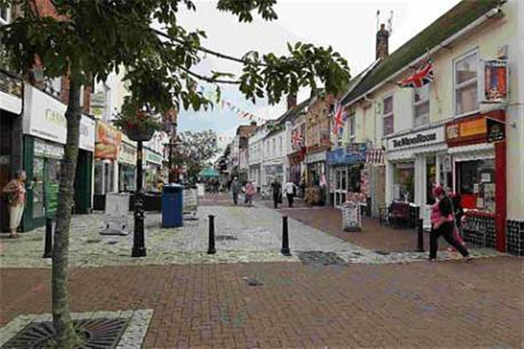 'Poole high street is tatty and unloved - and I wouldn't recommend new shops open'