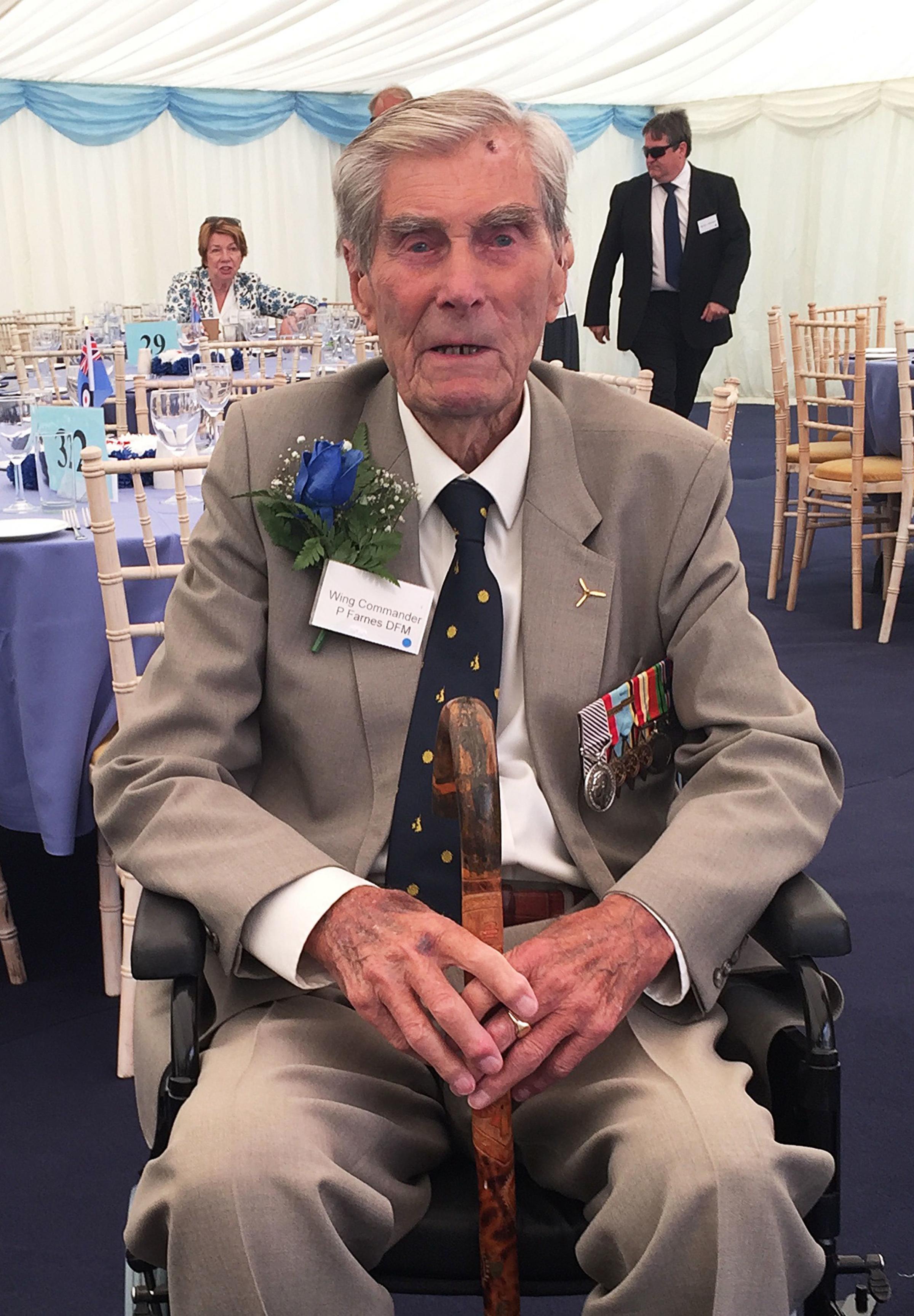 Battle of Britain pilot dies aged 101