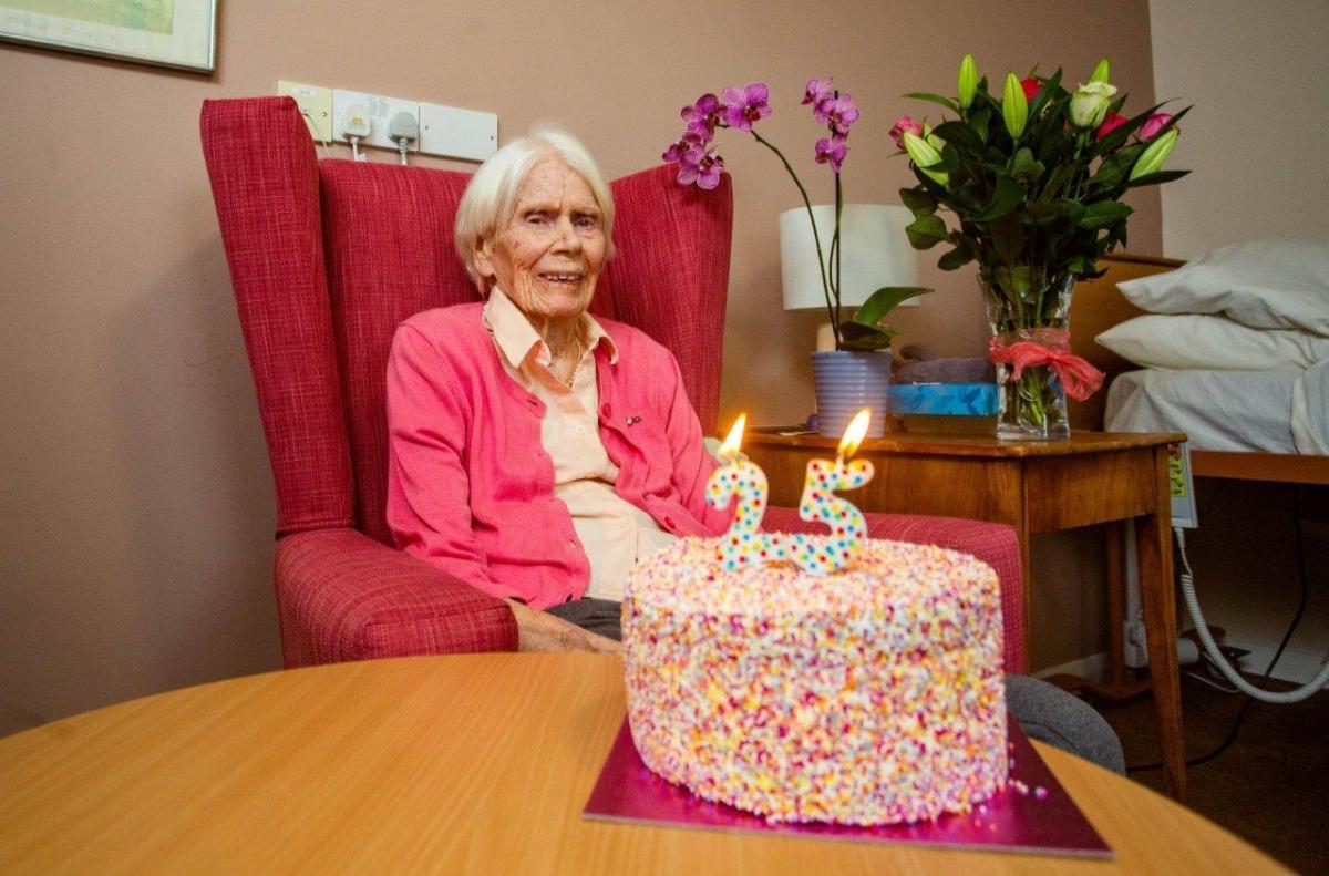 Amazing Leap Year Birthday 100 Year Old Hilary To Celebrate Turning 25 Funny Birthday Cards Online Amentibdeldamsfinfo