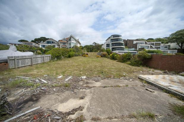 Bournemouth Echo: The plot in Dorset Lake Avenue viewed from the edge of the water. Picture: Tom Wren/BNPS