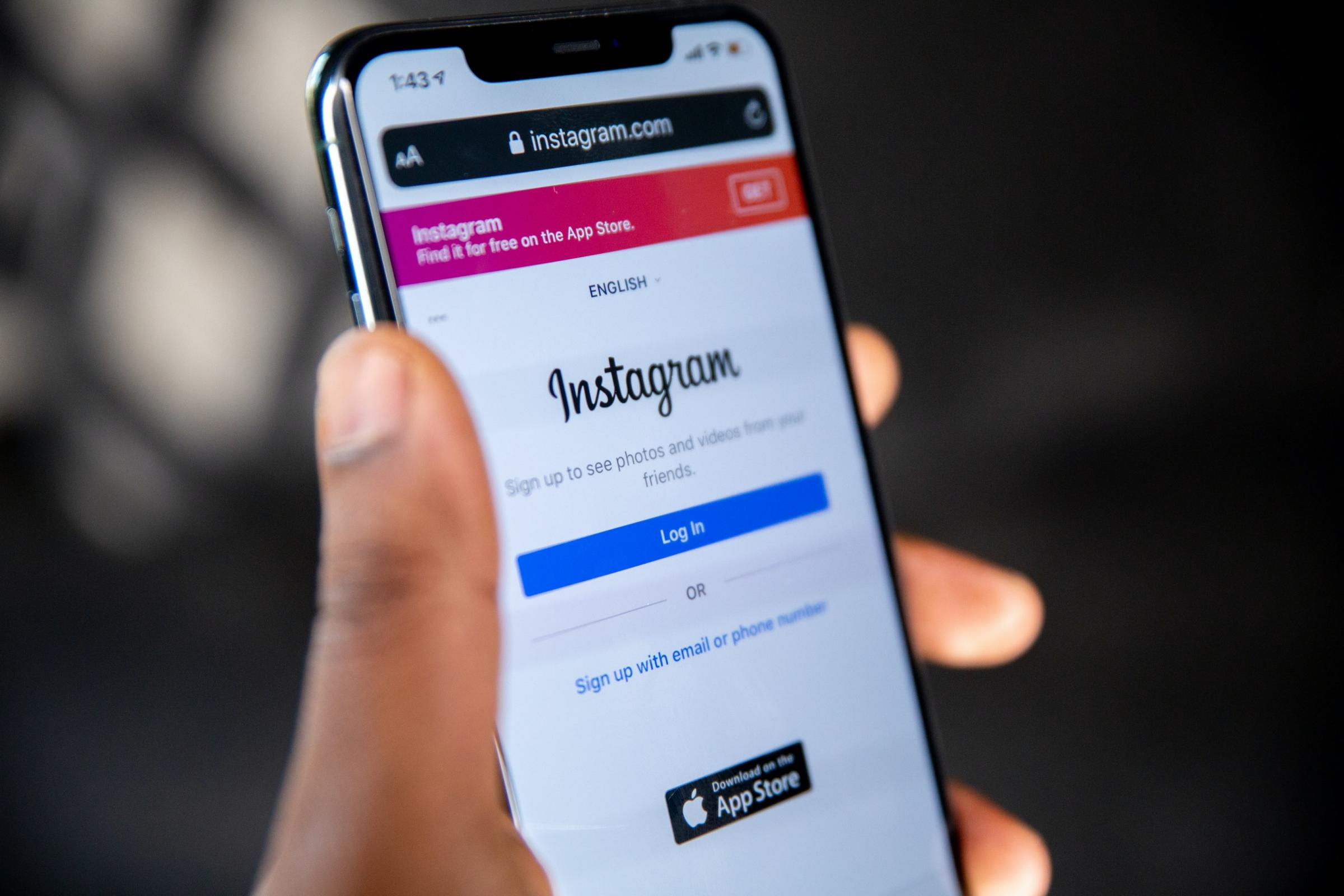 Instagram down in the UK: Why your app is not refreshing