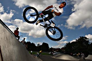 Bournemouth Echo: BMX bikers dazzle onlookers with show-stopping stunts