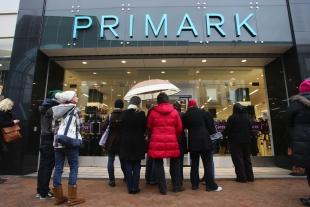 Bournemouth Echo: GOOD NEWS IN STORE: Shoppers at the new Primark shop in Commercial Road, Bournemouth