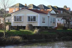 New park home near to the River Stour