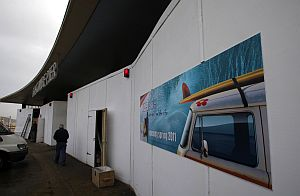 Work underway on Reefside cafe at the entrance to Boscombe Pier