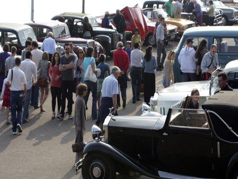 Bournemouth Echo:   CLASSIC Cars on the Prom celebrated its tenth anniversary with a line up of more than 100 cars.