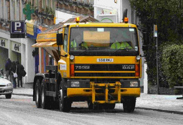 Outrages as 15 thugs attack gritter