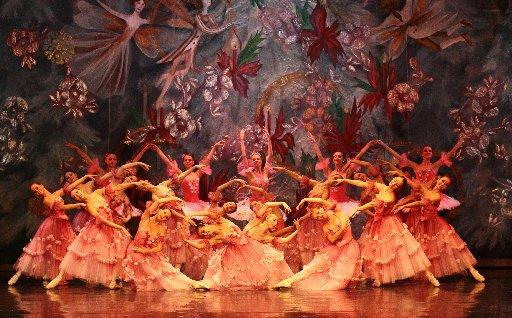 Bournemouth Echo: Moscow City Ballet performing The Nutcracker