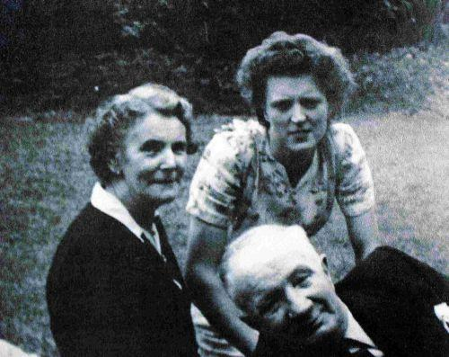 George Kemish with his wife Myrtle and their niece Peggy