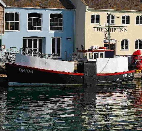 Lyme Regis: Spirit of Loch Fyne joined search for Purbeck Isle fishing boat