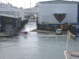 Bournemouth Echo: Poole flooding - high tide