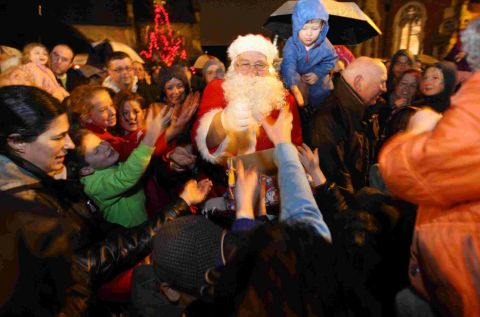 Santa arrives early for Christmas lights switch-on in Upper Parkstone