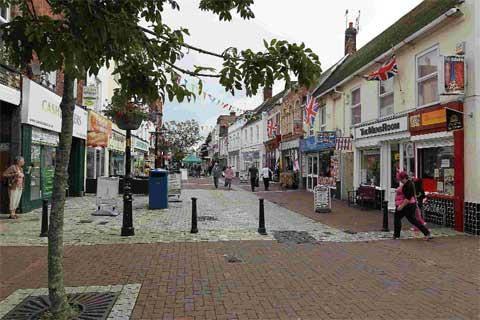 We'll make it easier for businesses to open in Poole High Street, vows council