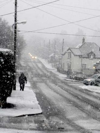 Weather warning as snow drifts back to Dorset