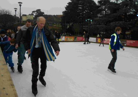 Bournemouth mayor Philip Stanley-Watts takes to the ice