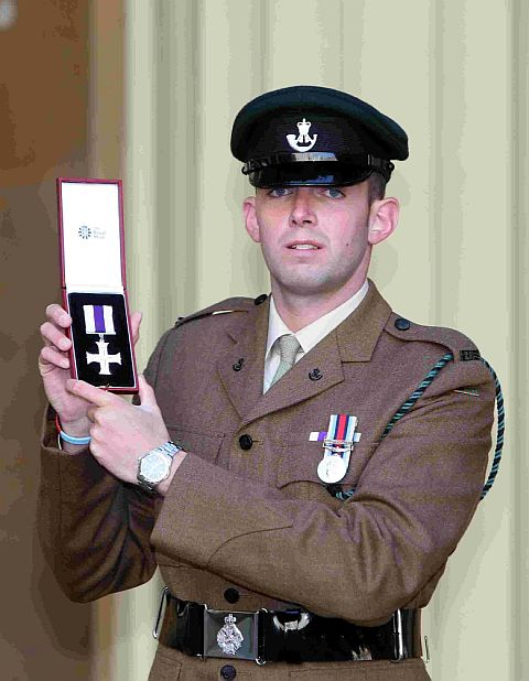 Life-saving soldier from Bournemouth gets bravery medal