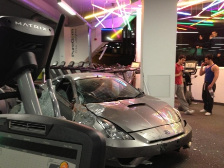 Pure Gym Poole >> Updated Car Ploughs Through Window At Pure Gym