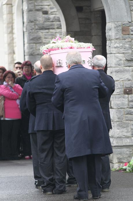 Farewell to Jade: hundreds gather to pay respects to teenager