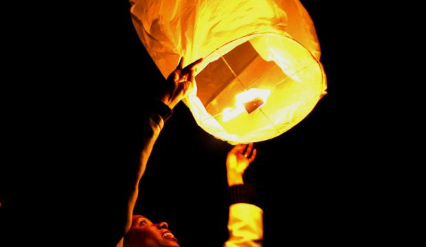 'It's only a matter of time before someone is killed' - lawyer calling for ban over Chinese lanterns