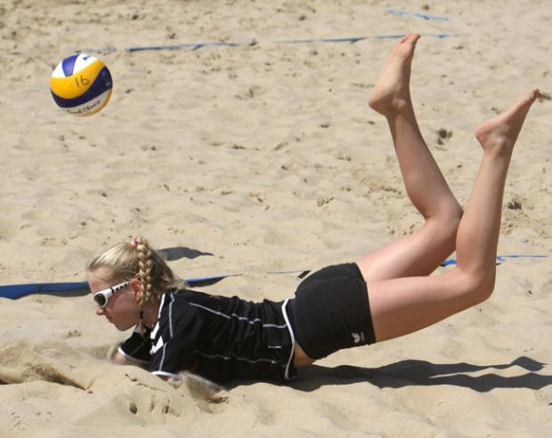 Bournemouth Echo: Sandbanks Beach Volleyball Festival on 6th July 2013