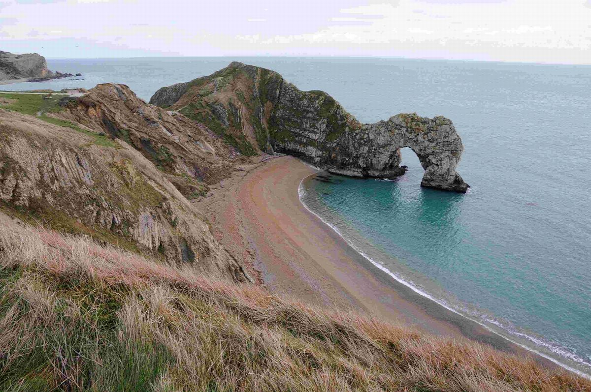 'Stay away from cliffs' tourists warned over Easter weekend