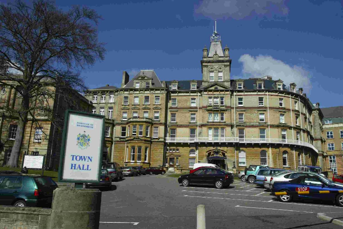 Bournemouth council to cut share of council tax bills for second year to support