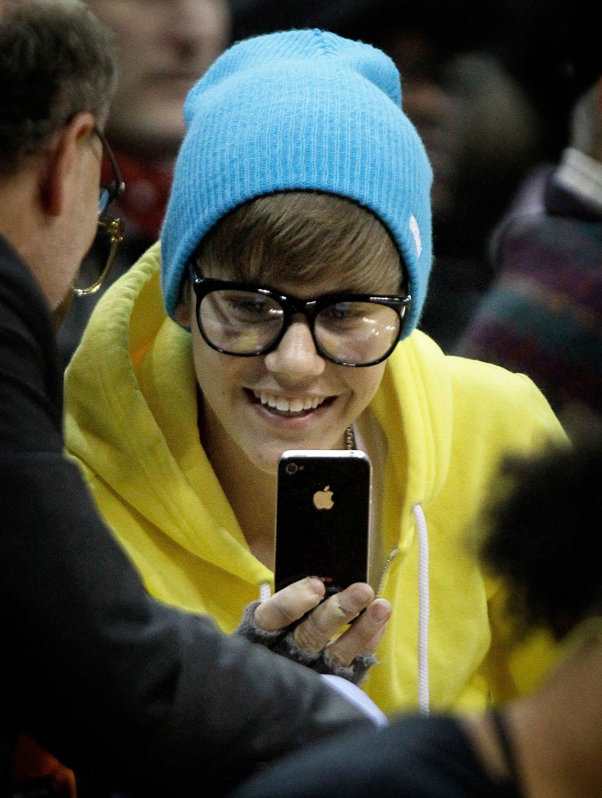 Justin Bieber launches new Shots of Me selfie app
