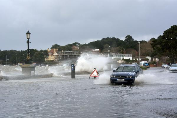 Bournemouth Echo: Four more days of storms forecast for Dorset with warnings to keep away from coast