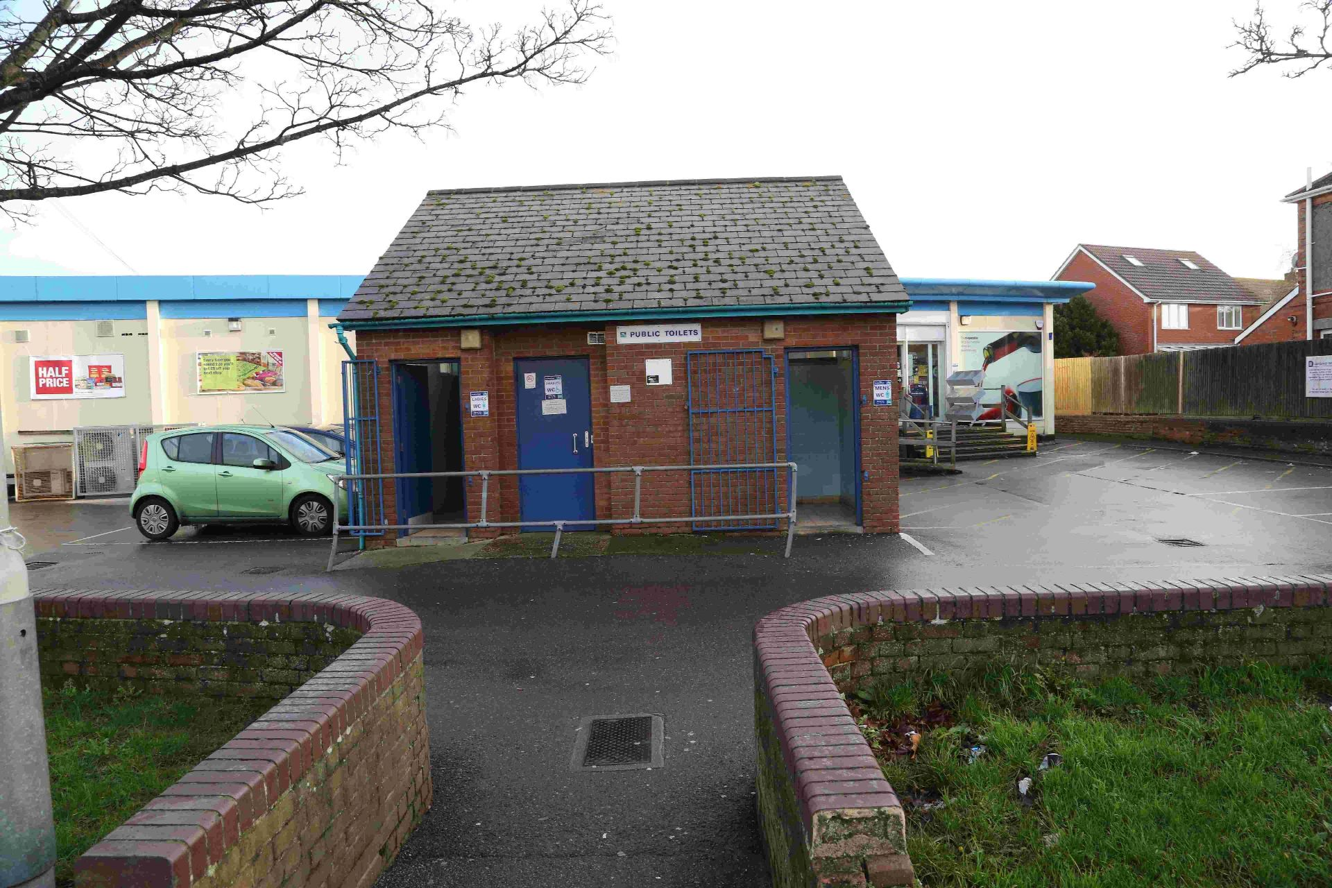 Councillors agree to close Hamworthy's only public toilets to save £10k a year