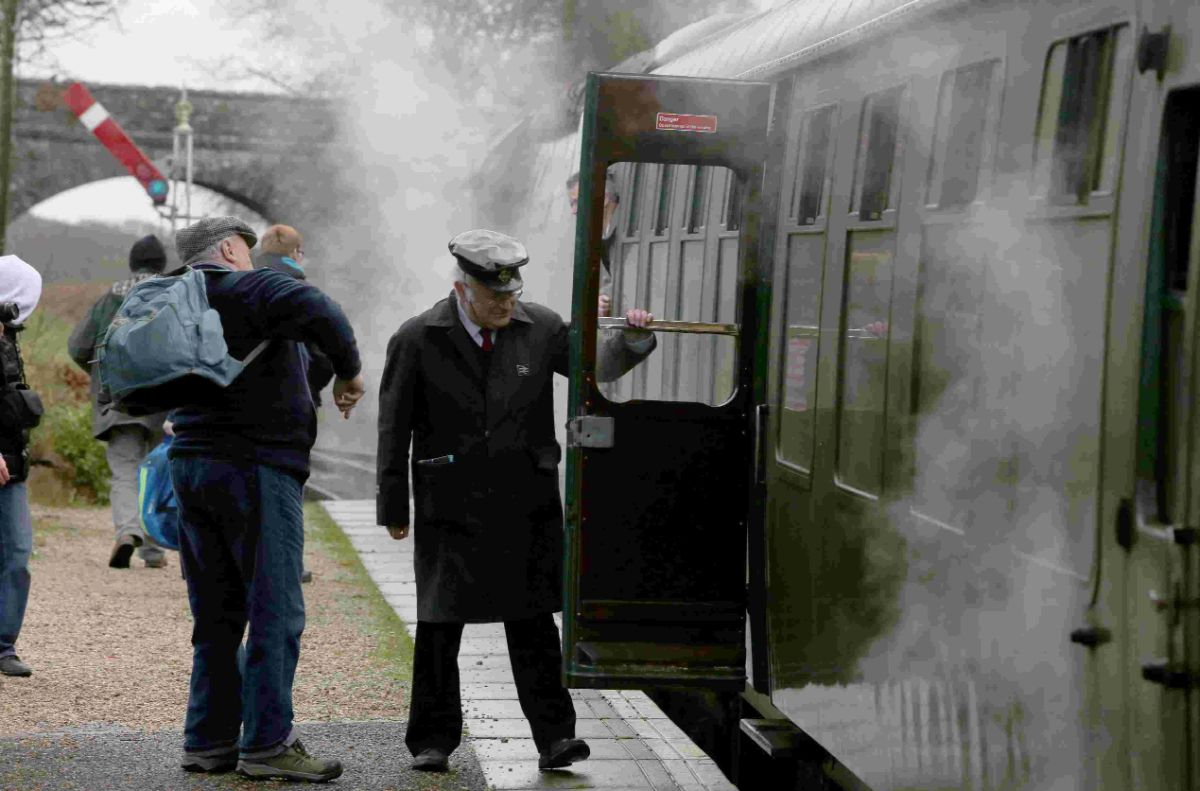 CHUFFING SUCCESS: Winter Warm Up steam engine and diesel day
