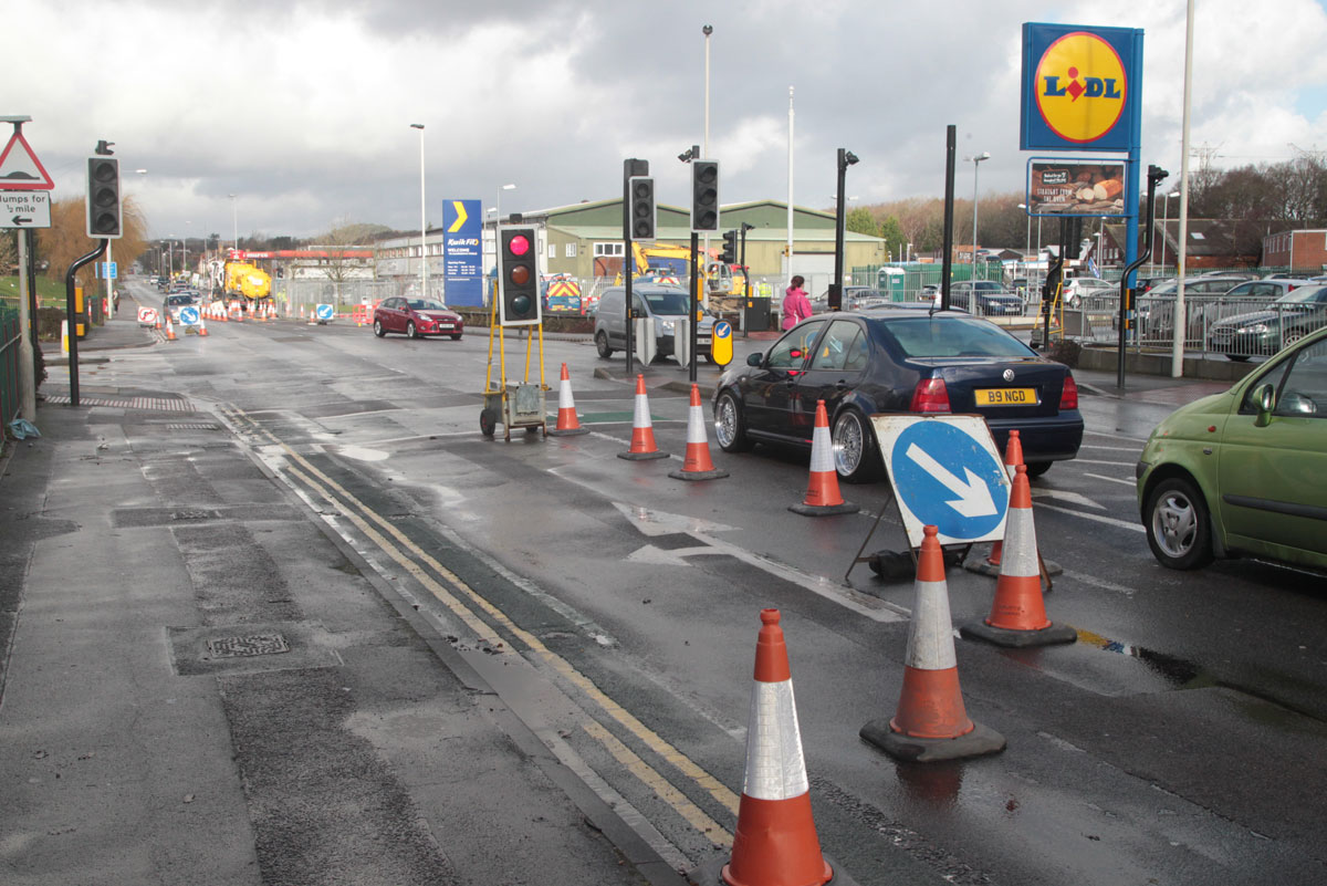 'We're counting the cost' say businesses as emergency sewer repairs close part of Blandford Road