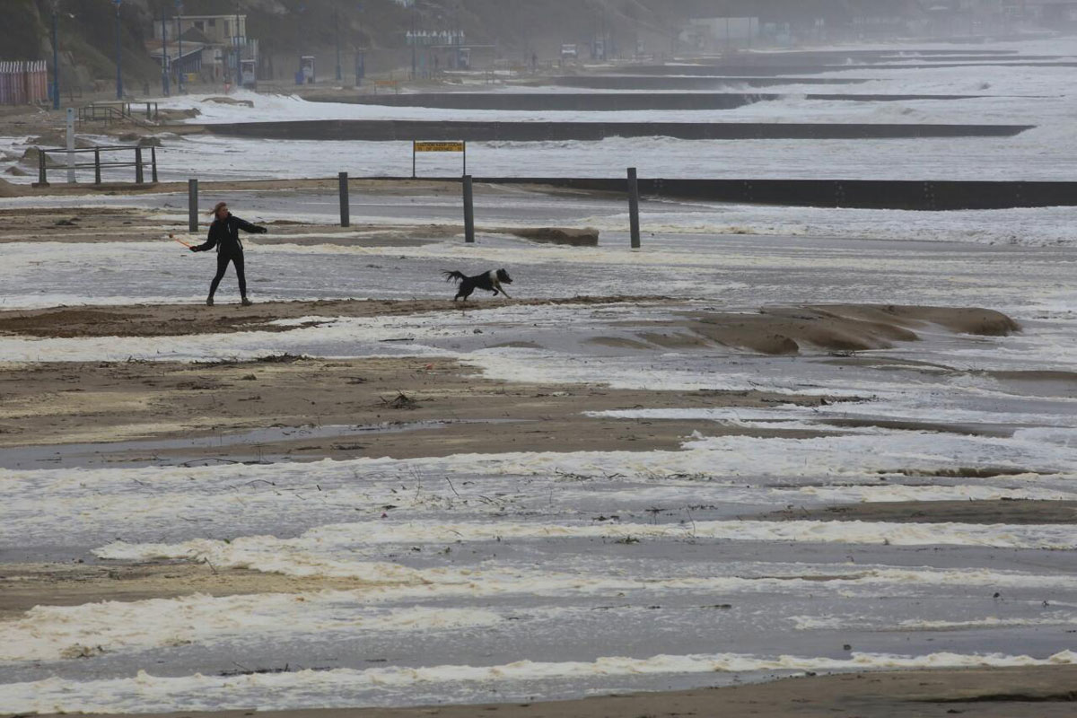 UPDATE: Bournemouth and Boscombe piers re-opened and Met Office issues new amber warning for severe gales