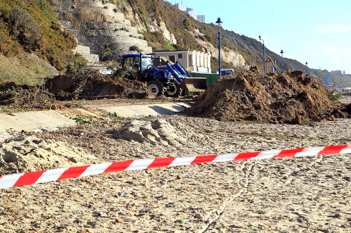 'There could be more to come' - experts warn of more landslips in Bournemouth after recent storms