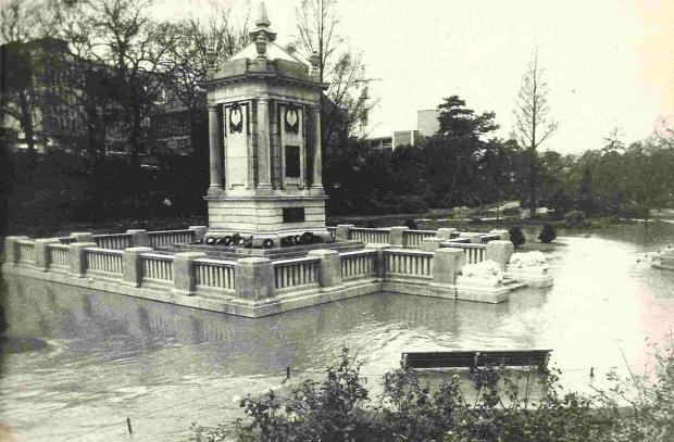 Bournemouth Echo: Bournemouth Gardens were flooded in gales of 1972