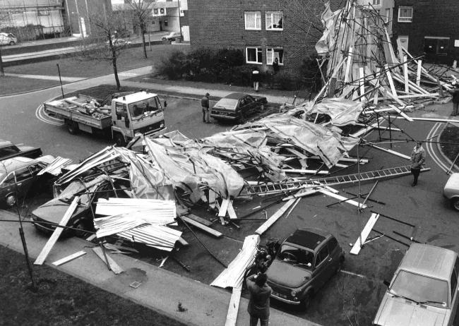 Scaffolding beside Nelson Court in Poole collapsed during gales of 1987