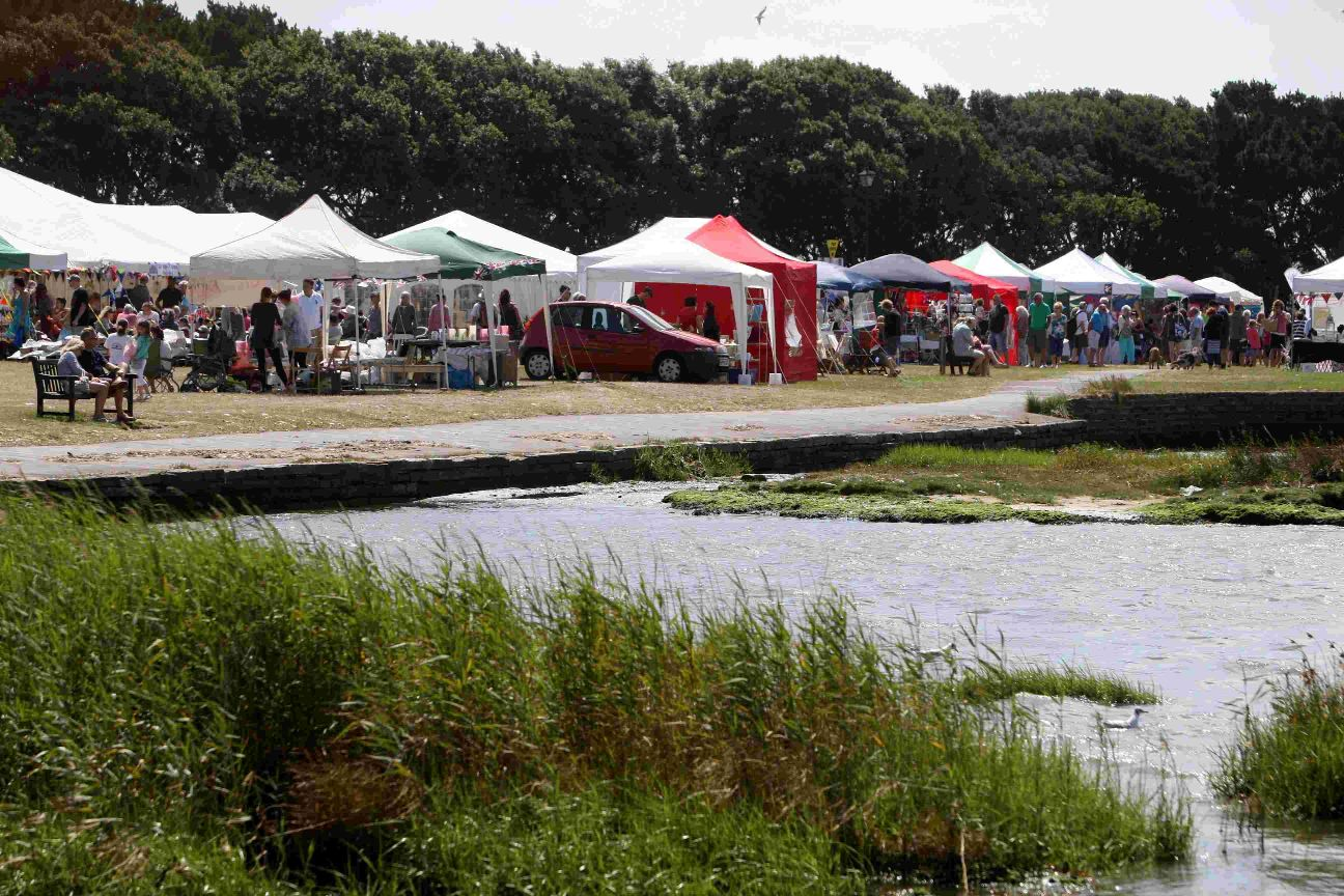 Organisers of Mudeford Arts Fest appeal for artists for this year's quayside event